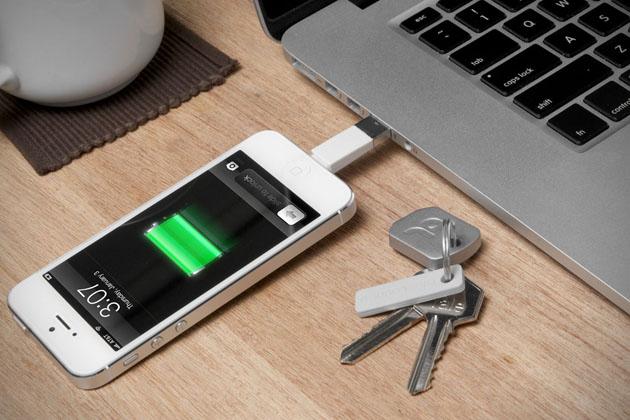 Kii-Keychain-iPhone-Charger-2